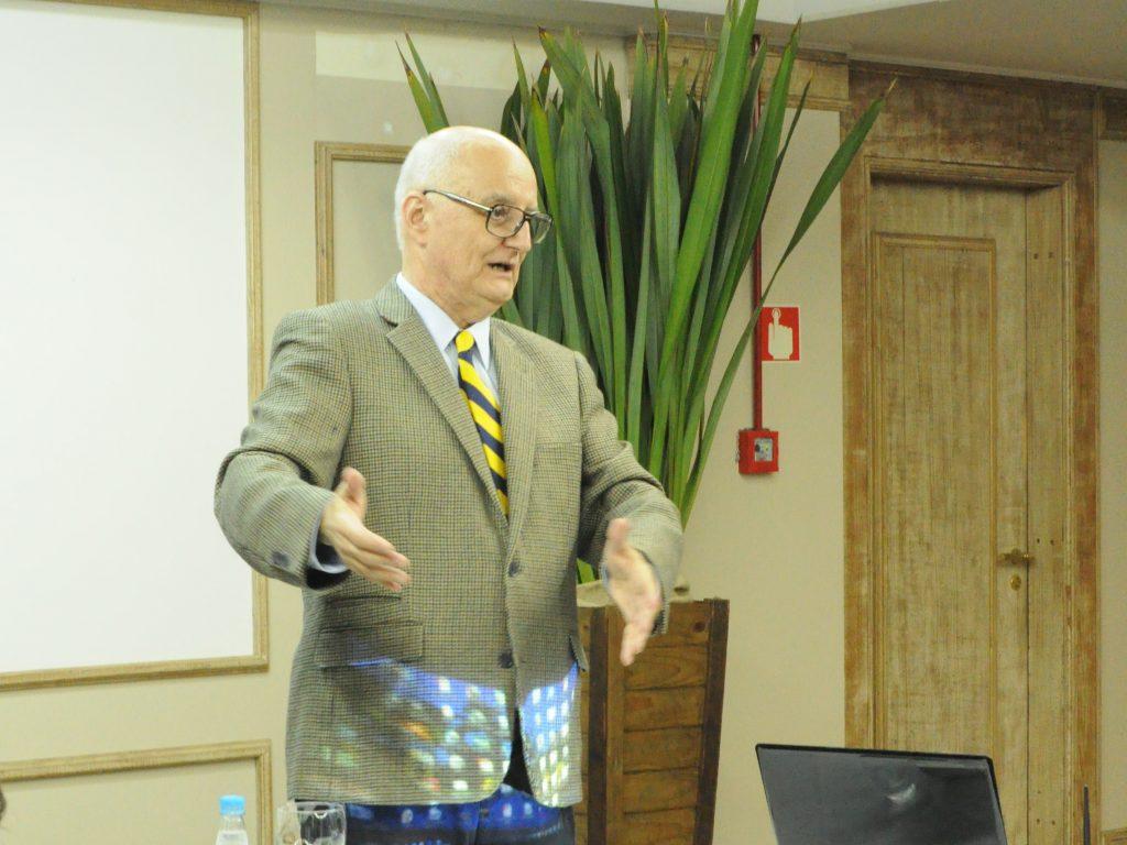 Ciclo de Palestras CRON   Melanoma com Dr. Sérgio Lago